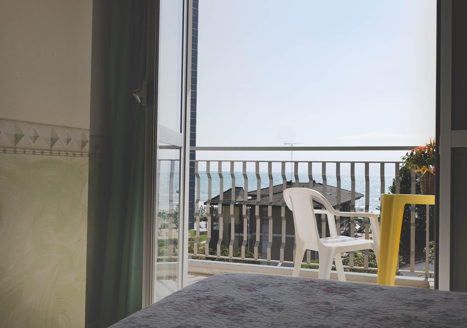zimmer acapulco beach resort. Black Bedroom Furniture Sets. Home Design Ideas